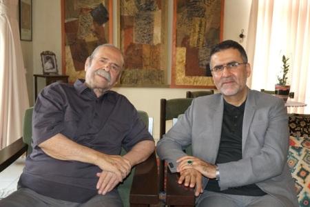 حجت الله ایوبی به دیدار محمدعلی کشاورز و منیژه حکمت رفت