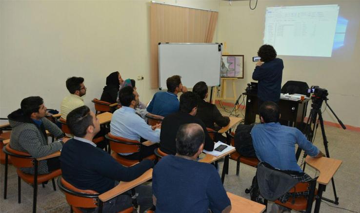 «مجید برزگر» در دزفول کارگاه فیلمسازی برگزار کرد