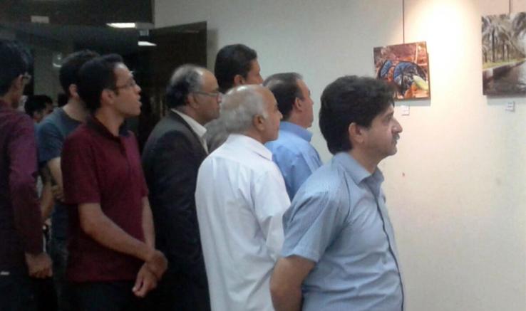 نمایشگاه عکس «عکاس» در بم