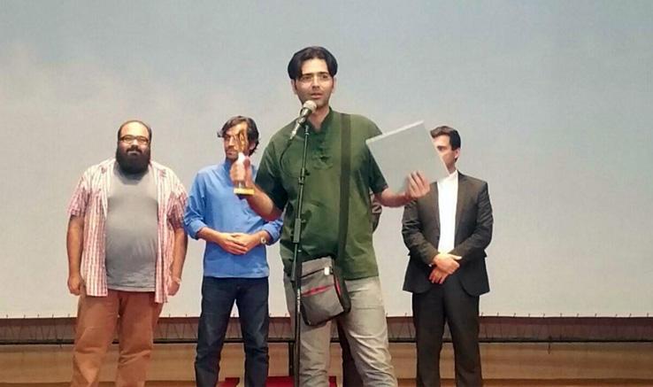 تندیس بهترین فیلمنامه جشنواره «شبدیز» به لاهیجان رسید