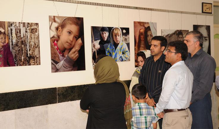 افتتاح نمایشگاه عکس پرتره «هیوا» در برازجان