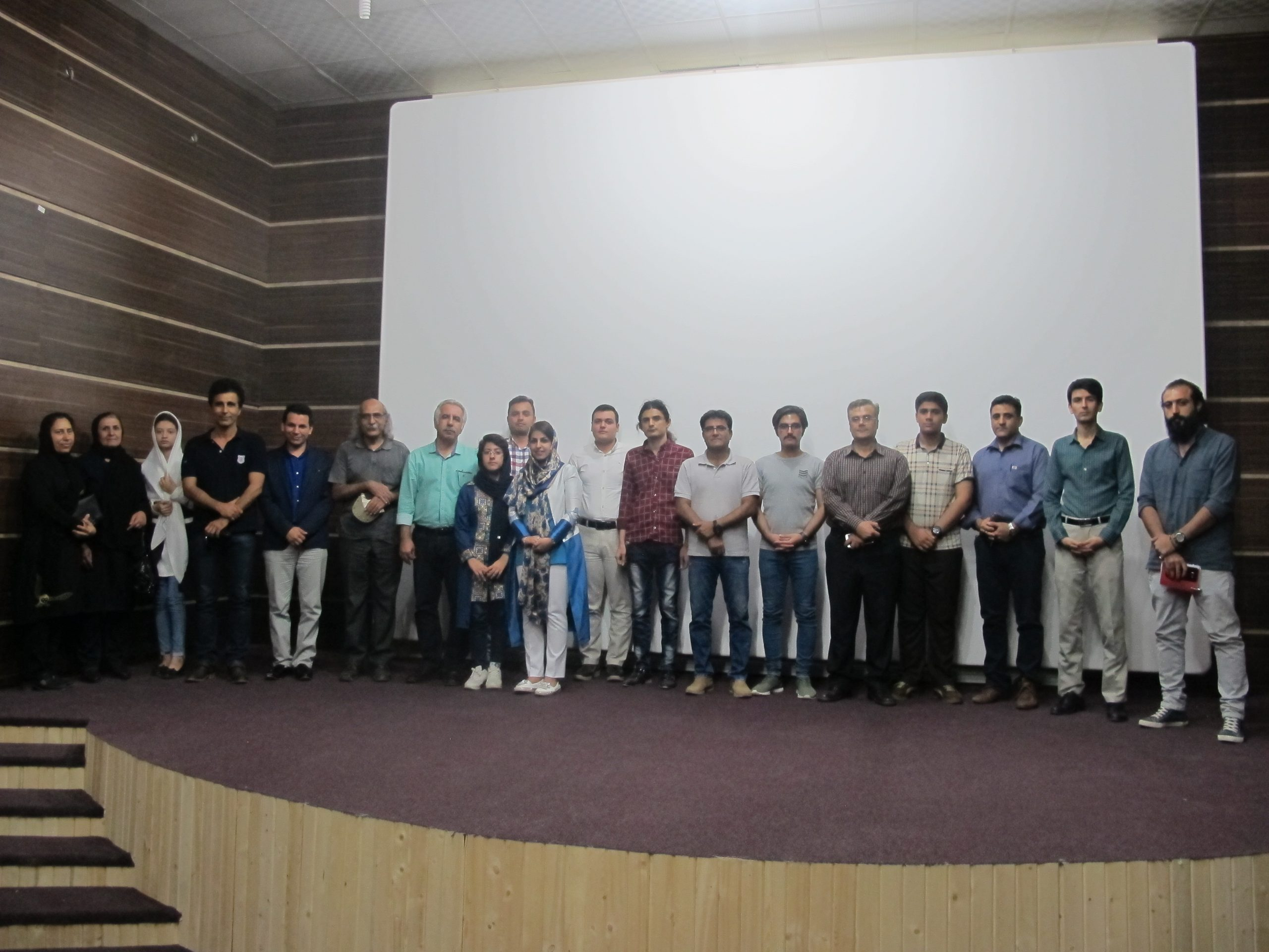 برگزاری دومین جلسه از سری جلسات دهگانه فیلم در برازجان