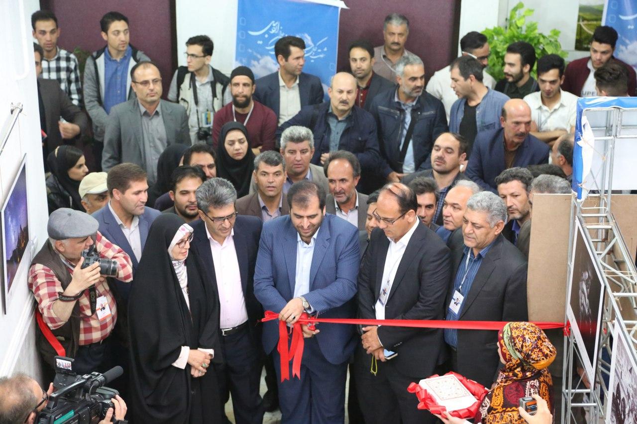 افتتاح نمایشگاه عکس آثار منتخب شصت و یکمین جشنواره منطقهای سینمای جوان اردبیل-مشگینشهر