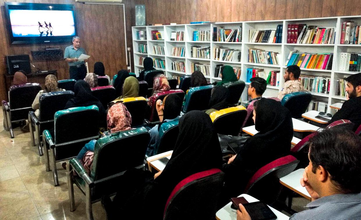 اولین بار توسط انجمن سینمای جوان بوشهر اجرا شد: طرح توسعه فرهنگی- امید