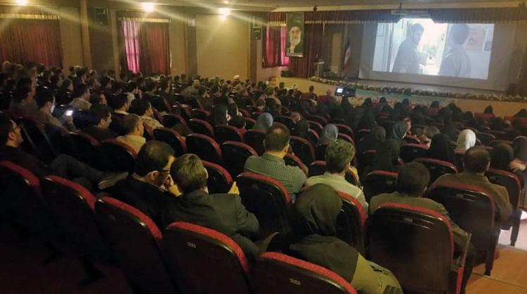 آغاز بهکار سینما سیار در واحدهای دانشگاه آزاد اسلامی