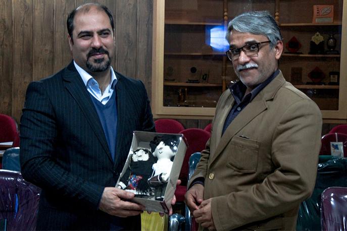 بازدید مدیرکل امور اجتماعی و فرهنگی استانداری بوشهر از انجمن سینمای جوانان این شهر