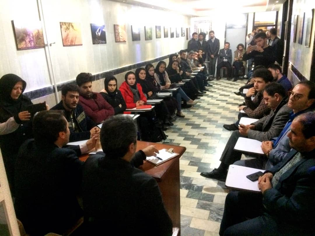 دیدار دکتر محمد فیضی با هنرمندان انجمن سینمای جوانان اردبیل