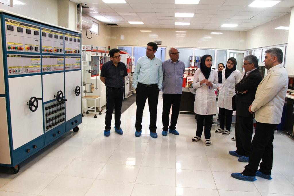بازدید فیلمسازان انجمن سینمای جوان از منطقه ویژه اقتصادی بوشهر
