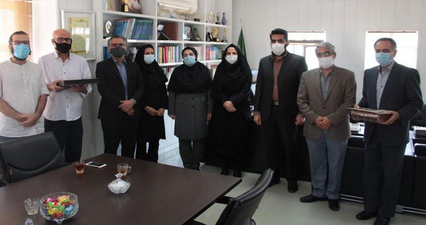 اهدای نشان یارمهربان به انجمن سینمای جوانان استان بوشهر